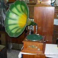 Gramófonos y gramolas: GRAMOFONO PATHE. Lote 33179260