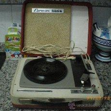 Gramófonos y gramolas: ANTIGUO TOCADISCOS EUROVOX. Lote 35798315