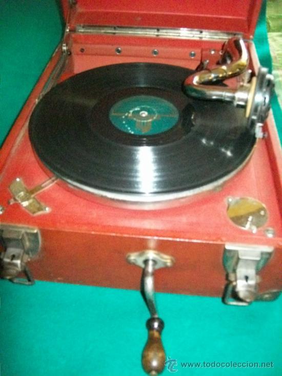 Gramófonos y gramolas: ANTIGUA GRAMOLA MALETA - PERFECTO FUNCIONAMIENTO - AEOLIAN - MADRID - 1920 - GRAMÓFONO TOCADISCOS - Foto 6 - 36384612