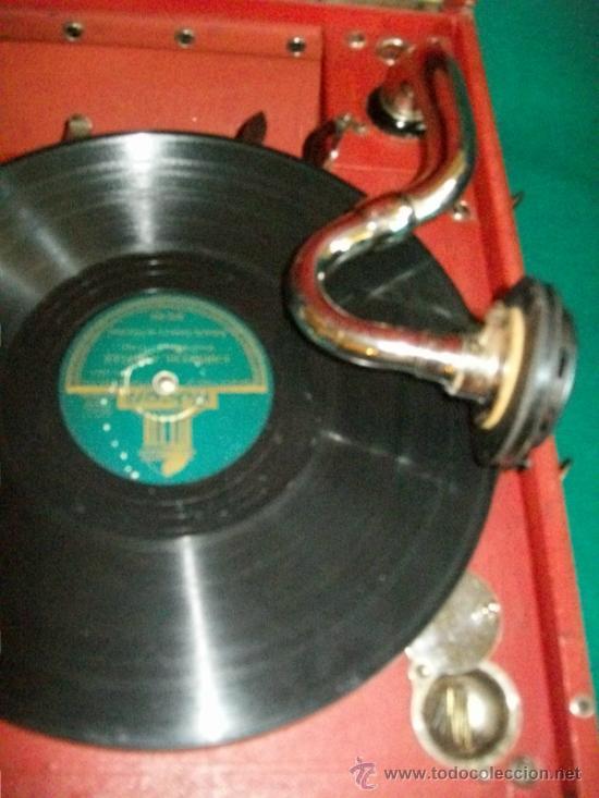 Gramófonos y gramolas: ANTIGUA GRAMOLA MALETA - PERFECTO FUNCIONAMIENTO - AEOLIAN - MADRID - 1920 - GRAMÓFONO TOCADISCOS - Foto 4 - 36384612