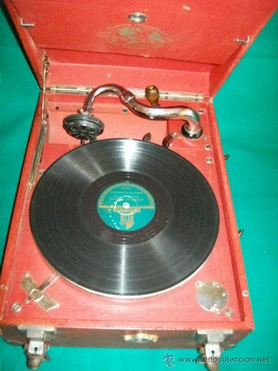Gramófonos y gramolas: ANTIGUA GRAMOLA MALETA - PERFECTO FUNCIONAMIENTO - AEOLIAN - MADRID - 1920 - GRAMÓFONO TOCADISCOS - Foto 3 - 36384612