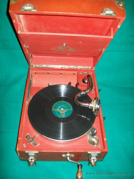 ANTIGUA GRAMOLA MALETA - PERFECTO FUNCIONAMIENTO - AEOLIAN - MADRID - 1920 - GRAMÓFONO TOCADISCOS (Radios, Gramófonos, Grabadoras y Otros - Gramófonos y Gramolas)
