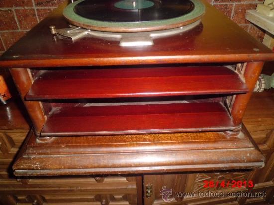 Gramófonos y gramolas: GRAMOFONO DE MUEGLE DE SOBREMESA EN MADERA DE ROBLE, FUNCIONANDO - Foto 4 - 36964432