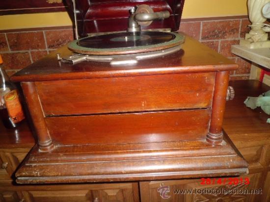 Gramófonos y gramolas: GRAMOFONO DE MUEGLE DE SOBREMESA EN MADERA DE ROBLE, FUNCIONANDO - Foto 9 - 36964432