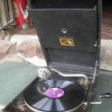 Gramófonos y gramolas: GRAMOFONO LA VOZ DE SU AMO, 42X29X15. FUNCIONA. Lote 37605768