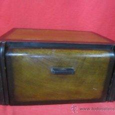 Gramófonos y gramolas: PRECIOSO TOCADISCOS CON CAJA DE MADERA EN .. Lote 37615887