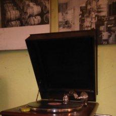 Gramófonos y gramolas: GRAMOLA ANTIGUA. Lote 41341622