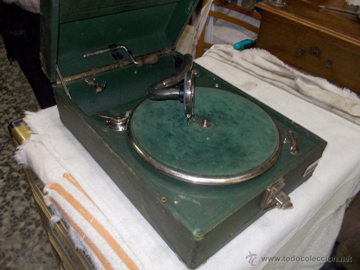 Gramófonos y gramolas: Gramola Telefunken funcionando - Foto 15 - 44178979