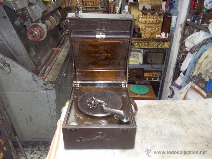GRAMOLA COLUMBIA FUNCIONANDO (Radios, Gramófonos, Grabadoras y Otros - Gramófonos y Gramolas)