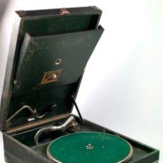 Gramófonos y gramolas: GRAMOLA DE MANO 29X41 CM. VER FOTOS ANEXAS. Lote 44447430