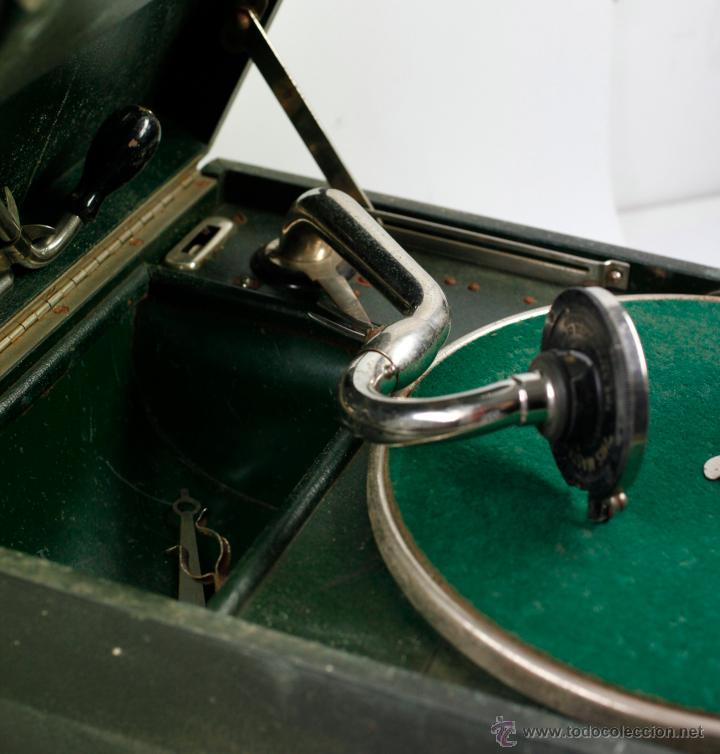 Gramófonos y gramolas: Gramola de mano 29x41 cm. ver fotos anexas - Foto 2 - 44447430