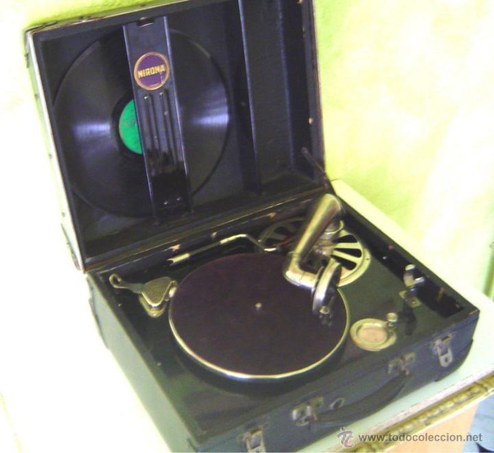 Gramófonos y gramolas: MALETA GRAMOFONO GRAMOLA DE COLECCION , MARCA NIRONA - Foto 3 - 44807421