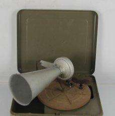 Gramófonos y gramolas: GRAMOFONO PORTATIL DE CAMPAÑA. MECANISMO DE RESORTE. PRNC. S XX. . Lote 45494241