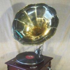 Gramófonos y gramolas: GRAMOFONO LA VOZ DE SU AMO - HIS MASTER,S VOICE. Lote 175559332