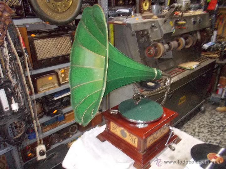 GRAMOFONO DE LA VOZ DE SU AMO FUNCIONANDO (Radios, Gramófonos, Grabadoras y Otros - Gramófonos y Gramolas)