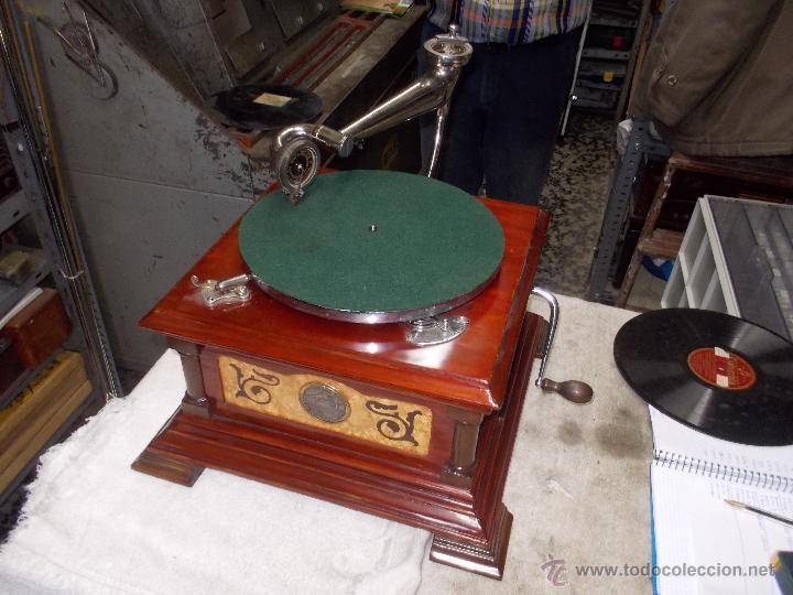 Gramófonos y gramolas: Gramofono de La voz de su amo funcionando - Foto 4 - 48388492
