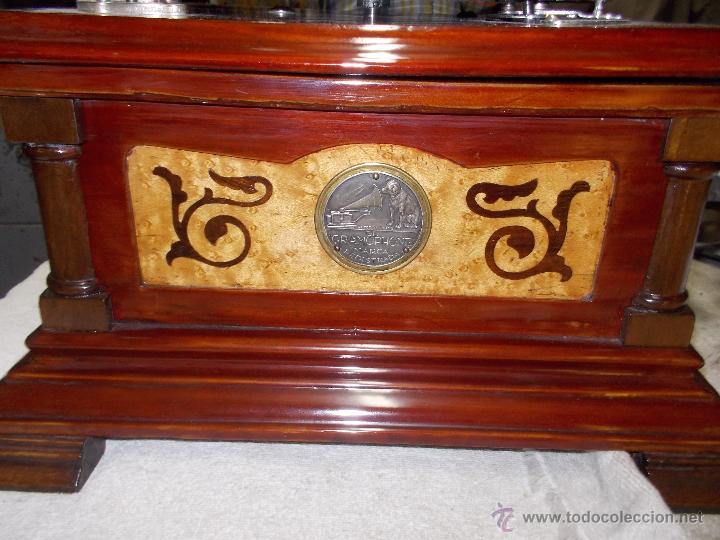 Gramófonos y gramolas: Gramofono de La voz de su amo funcionando - Foto 8 - 48388492