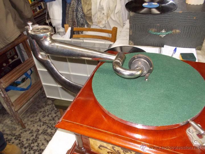 Gramófonos y gramolas: Gramofono de La voz de su amo funcionando - Foto 11 - 48388492