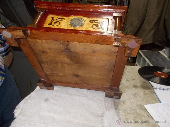 Gramófonos y gramolas: Gramofono de La voz de su amo funcionando - Foto 18 - 48388492