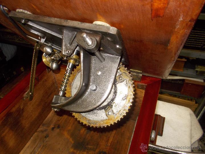 Gramófonos y gramolas: Gramofono de La voz de su amo funcionando - Foto 21 - 48388492