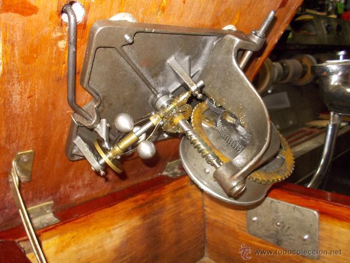 Gramófonos y gramolas: Gramofono de La voz de su amo funcionando - Foto 25 - 48388492