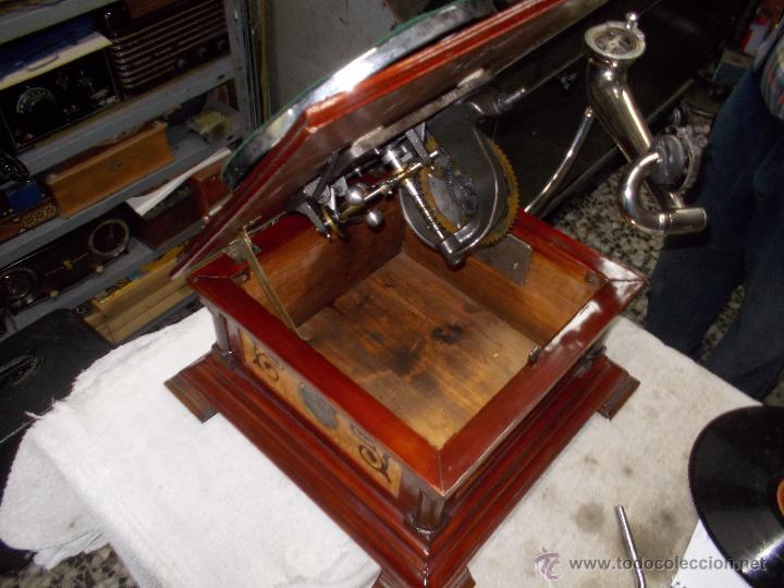 Gramófonos y gramolas: Gramofono de La voz de su amo funcionando - Foto 27 - 48388492