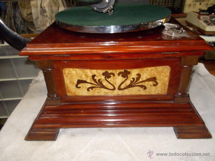 Gramófonos y gramolas: Gramofono de La voz de su amo funcionando - Foto 34 - 48388492