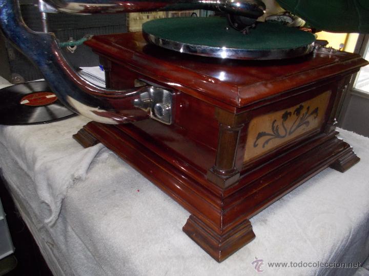 Gramófonos y gramolas: Gramofono de La voz de su amo funcionando - Foto 37 - 48388492