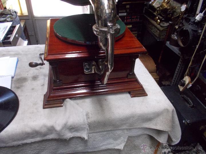 Gramófonos y gramolas: Gramofono de La voz de su amo funcionando - Foto 38 - 48388492