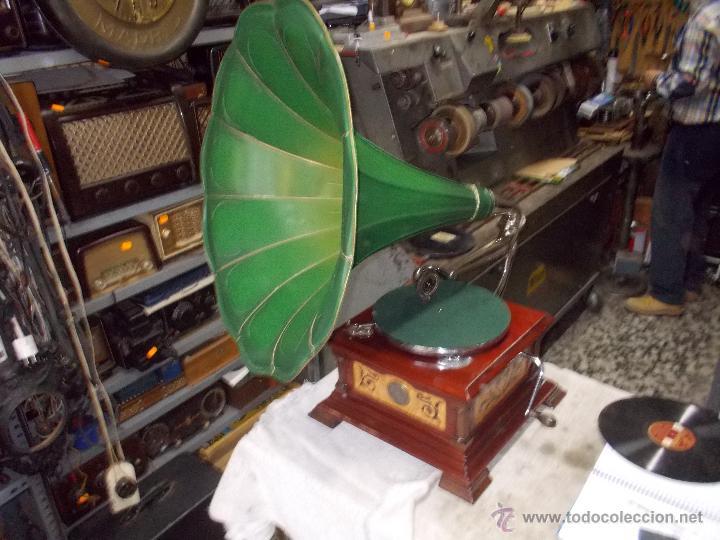 Gramófonos y gramolas: Gramofono de La voz de su amo funcionando - Foto 41 - 48388492