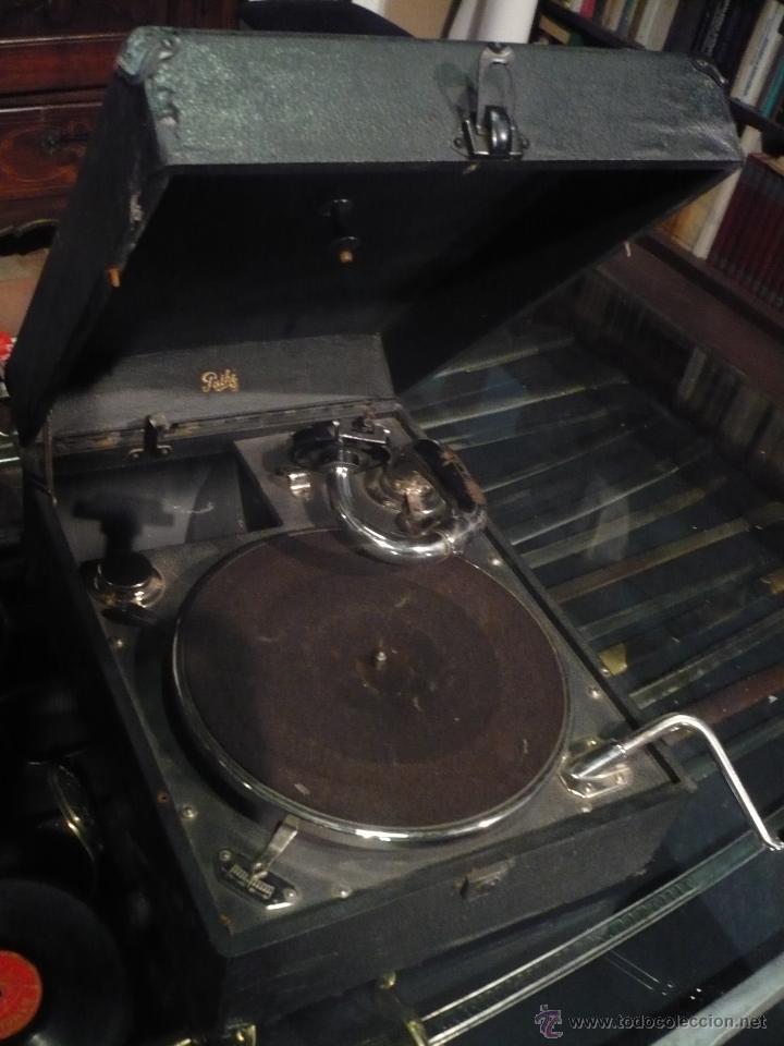 Gramófonos y gramolas: Gramola, Gramófono o tocadiscos antiguo portatil, marca Pathé Paris, en perfecto funcionamento - Foto 3 - 49190015
