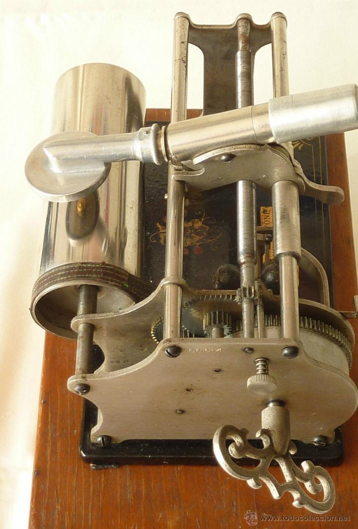Gramófonos y gramolas: FONÓGRAFO MUSEO ORIGINAL GRAMÓFONO COLUMBIA1887 TIPO CAJA MADERA VER VIDEO venta directa 998 euros - Foto 3 - 49889844