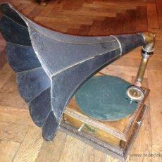 Gramófonos y gramolas: GRAMOFONO FONOGRAFO PATHE PATHEFONE J.GIRARD TODO ORIGINAL 1.280,00 €. Lote 52727665