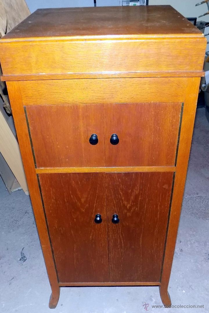 Gramófonos y gramolas: gramofono de mueble, funcionando, buen estado - Foto 2 - 52934478