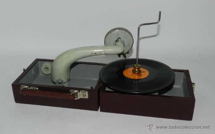 Gramófonos y gramolas: ANTIGUO GRAMOFONO PORTATIL, CON DISCO DE PIZARRA DE MARIA BLANCA, TAL Y COMO SE VE EN LAS FOTOGRAFIA - Foto 3 - 54781050