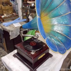 Gramófonos y gramolas: GRAMOFONO FUNCIONANDO. Lote 56456129
