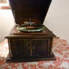Gramófonos y gramolas: GRAMOFONO. Lote 57300802