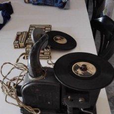 Gramófonos y gramolas: GRAMÓFONO SONORO NIC CON 10 PELICULAS. Lote 58221819