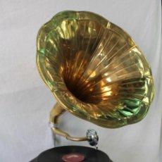 Gramófonos y gramolas: GRAMOFONO HIS MASTER'S VOICE, LA VOZ DE SU AMO. Lote 175559305