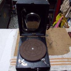 Gramófonos y gramolas: GRAMOLA DECCA FUNCIONANDO. Lote 67740109