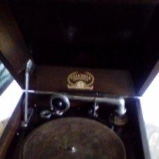 Gramófonos y gramolas: GRAMOFONO COLUMBIA. Lote 68373197