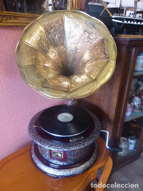 GRAMOFONO O GRAMOLA HIS MASTER´S VOICE FUNCIONANDO (Radios, Gramófonos, Grabadoras y Otros - Gramófonos y Gramolas)