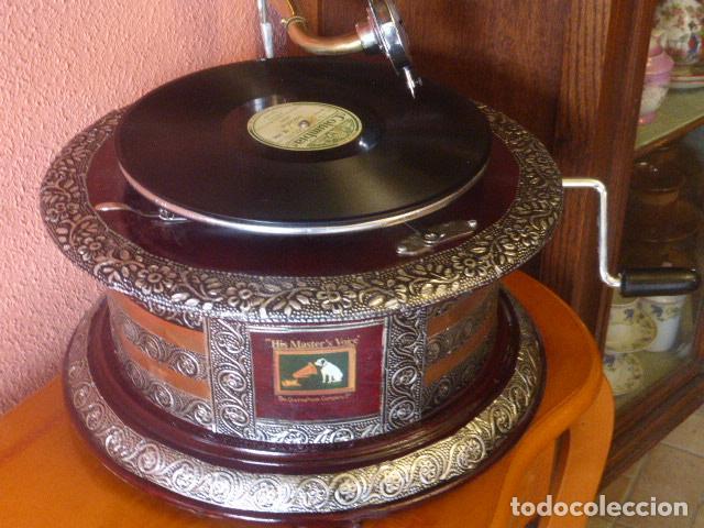 Gramófonos y gramolas: GRAMOFONO O GRAMOLA HIS MASTER´S VOICE FUNCIONANDO - Foto 2 - 144076336