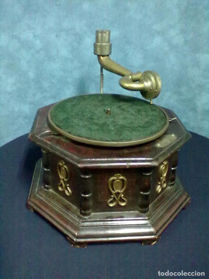 Gramófonos y gramolas: GRAMOFONO OCTOGONAL PARA ARREGLAR - Foto 2 - 69586001
