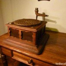 Gramófonos y gramolas: CAJA DE GRAMOFONO. Lote 70063745