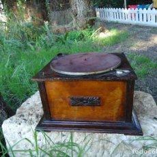Gramófonos y gramolas: CAJA DE GRAMOFONO. Lote 70745649
