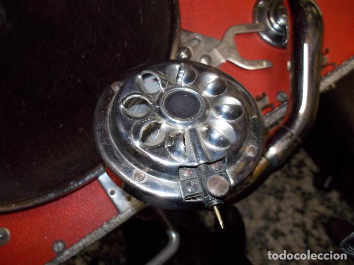 Gramófonos y gramolas: gramola de maleta victor funcionando - Foto 5 - 72885851