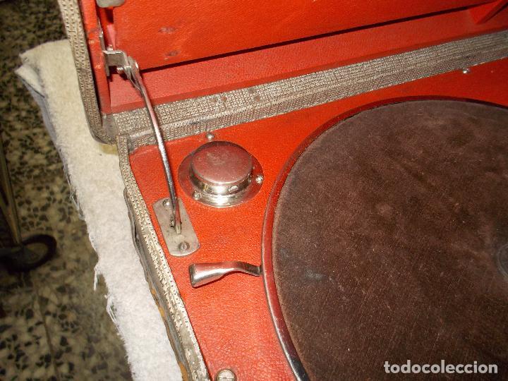 Gramófonos y gramolas: gramola de maleta victor funcionando - Foto 9 - 72885851