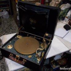 Gramófonos y gramolas: GRAMOLA VICTROLA FUNCIONANDO. Lote 73701187
