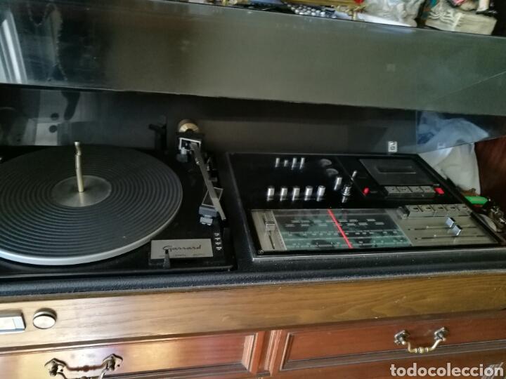 GRAN TOCADISCOS ANTIGUO FUNCIONANDO (Radios, Gramófonos, Grabadoras y Otros - Gramófonos y Gramolas)